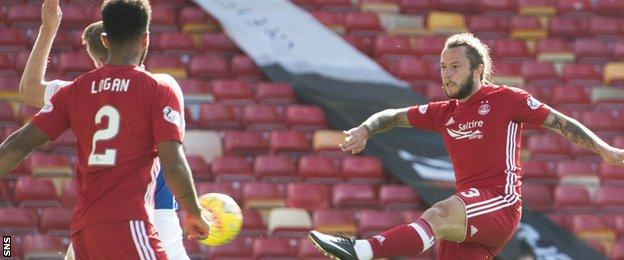 Stevie May fires Aberdeen into the lead
