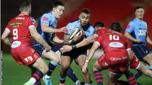 Willis Halaholo in action against Scarlets