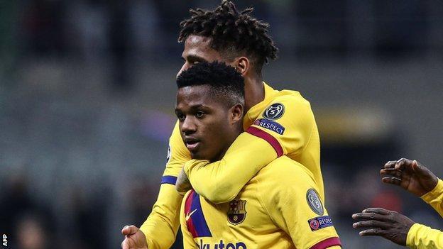 Inter Milan 1 2 Barcelona Ansu Fati Becomes Youngest Champions League Goalscorer Bbc Sport
