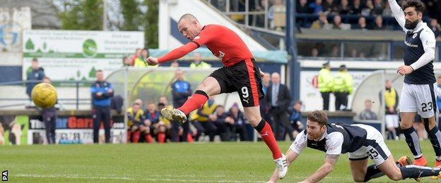 Kenny Miller fires Rangers into a 3-2 lead