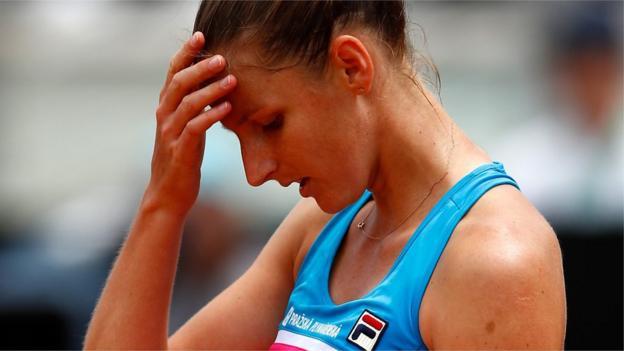 101607829 p067fhx7 - Italian Launch: Karolina Pliskova assaults umpire's chair after defeat