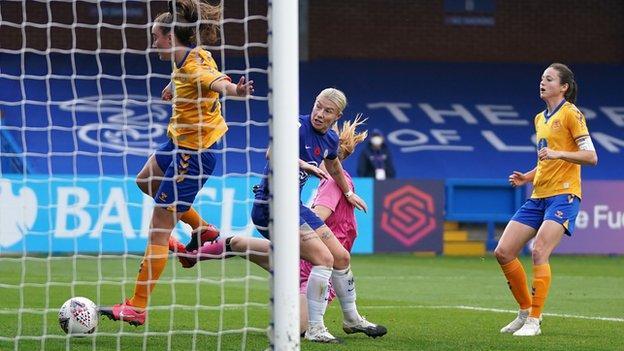 Bethany England scores Chelsea's third goal against Everton