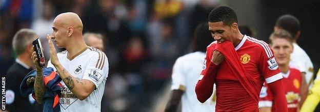 Jonjo Shelvey celebrates Swansea's victory over Manchester United