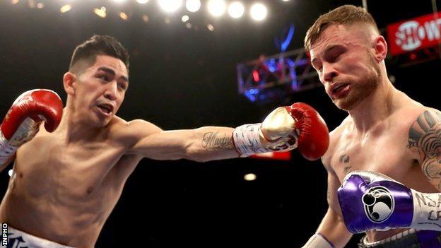 Leo Santa Cruz battles with Carl Frampton during their January 2017 bout in Las Vegas