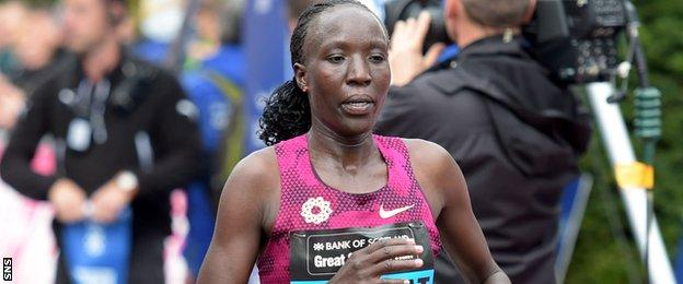 Edna Kiplagat eased to victory as she defended her half marathon title