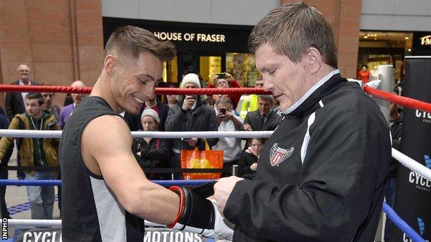 Ryan Burnett with Ricky Hatton at an opening training session in Belfast in 2014