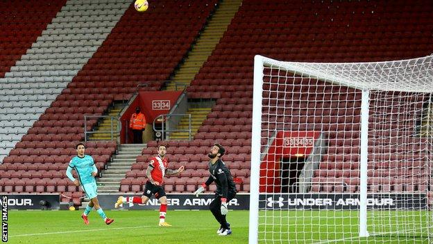 Danny Ings scores the winner for Southampton against Liverpool