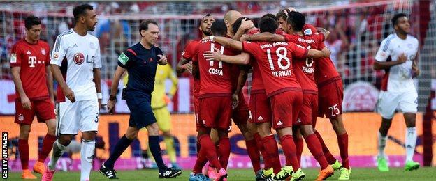 Bayern Munich celebrate Thomas Muller's goal