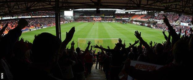 Willo Flood was impressed by the support Aberdeen received at Tannadice on Sunday