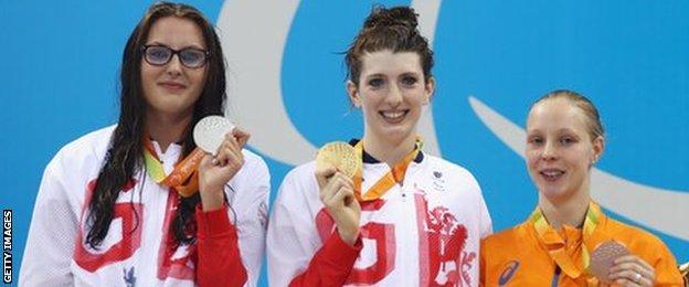 Jessica-Jane Applegate with medal