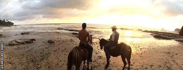 Daniel Ricciardo on horseback