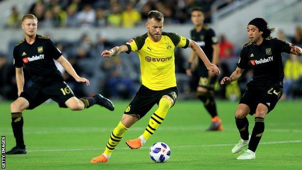 Andriy Yarmolenko in action for Borussia Dortmund