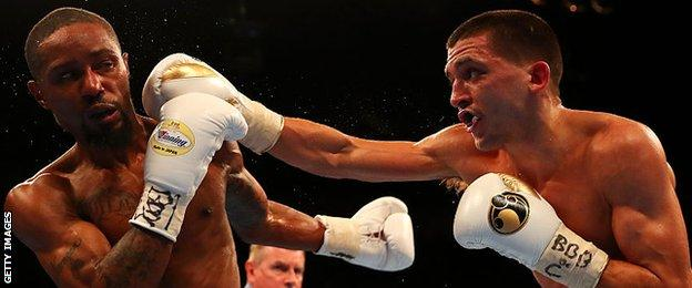 Lee Selby in action against Eric Hunter