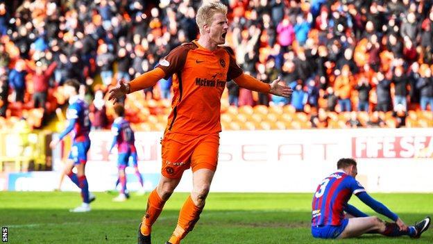 Thomas Mikkelsen celebrates