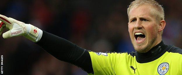 Kasper Schmeichel makes a point for Leicester against Man Utd