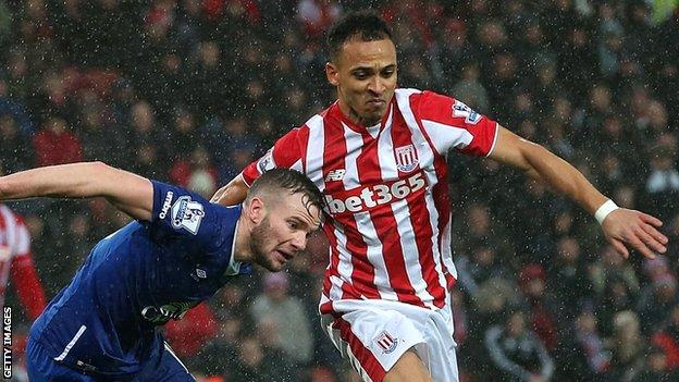 Peter Odemwingie (right)