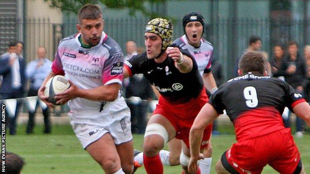 Lloyd Ashley of Ospreys on the attack