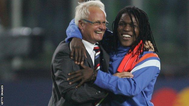 Foppe De Haan Manager of the Netherlands holds the Trophy aloft with Roysten Drenthe after winning the UEFA European Under-21 Championship