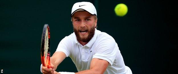 Liam Broady in action