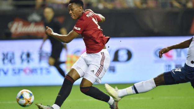 Tottenham 1-2 Man Utd: Angel Gomes fires late winner for United thumbnail