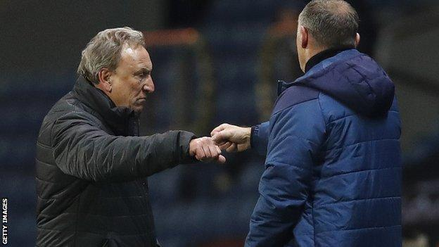 Neil Warnock (left) and Tony Mowbray fist-bump at the end of the game