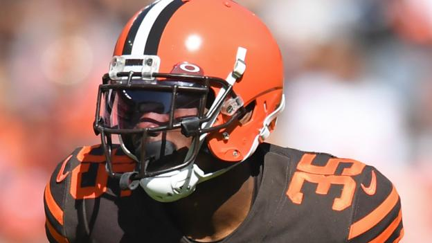 Cleveland Browns release Jermaine Whitehead after Twitter tirade thumbnail
