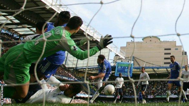 Frank Lampard scores for Chelsea in their epic FA Cup quarter-final against Tottenham in 2007