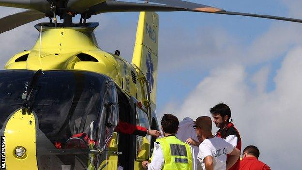 Froome was put into a helicopter on the roof of the Centre Hospitalier of Roanne, from where he was transferred to a hospital in St Etienne