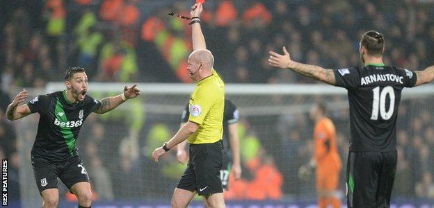 Geoff Cameron red card