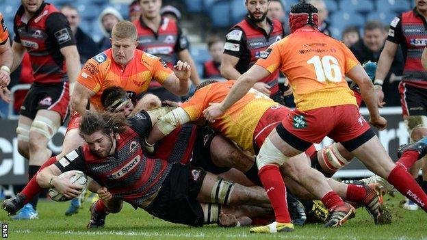 Ben Toolis scores a try for Edinburgh against Scarlets