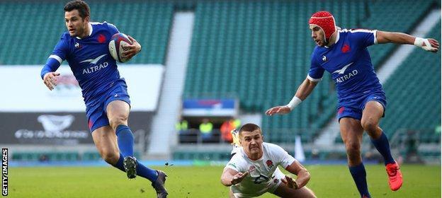 La Rochelle's Brice Dulin scores against England