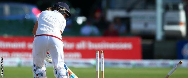 Laura Marsh is the first player to twice fall for a duck in both innings of a women's Test