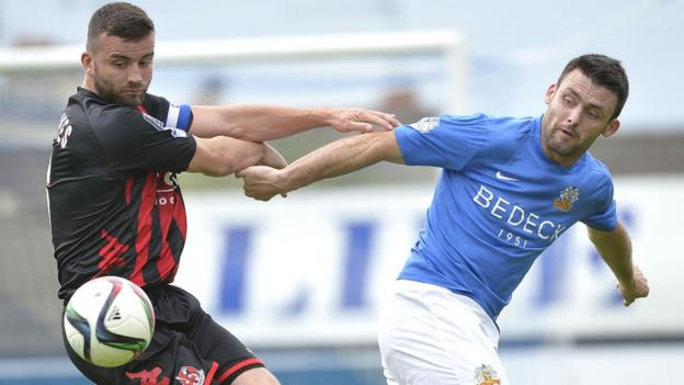 Colin Coates led his Crusaders side to a 2-1 win away to Eoin Bradley's Glenavon