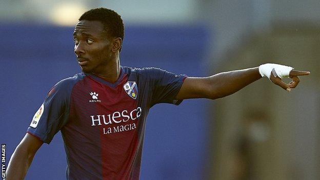 Kelechi Nwakali in action for Huesca