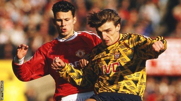 Colin Pates of Arsenal and Ryan Giggs of Manchester United