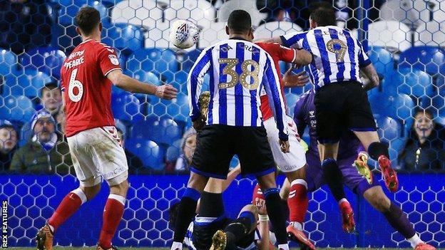 Steven Fletcher scores for Sheffield Wednesday's against Charlton.
