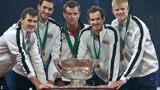 (left to right) Great Britain's Jamie Murray, James Ward, captain Leon Smith, Andy Murray and Kyle Edmund with the Davis Cup after winning the final against Belgium