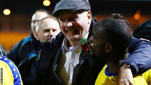 Maidenhead United manager Alan Devonshire