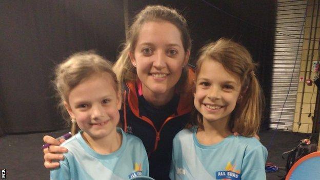 England's Sarah Taylor and Erin and Kira