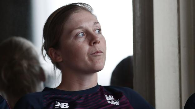 Women's T20 World Cup: England out but India into final after washout thumbnail