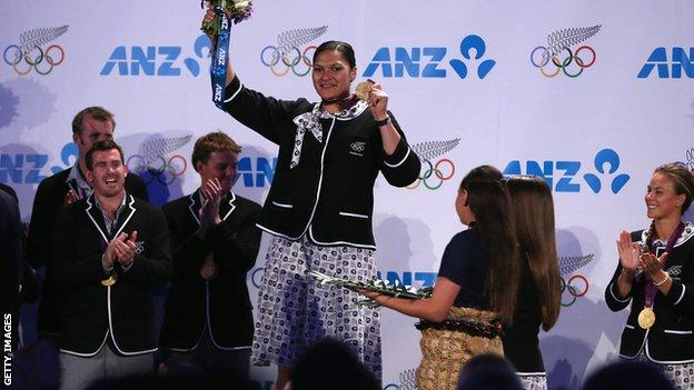 Valerie Adams receives London 2012 gold medal