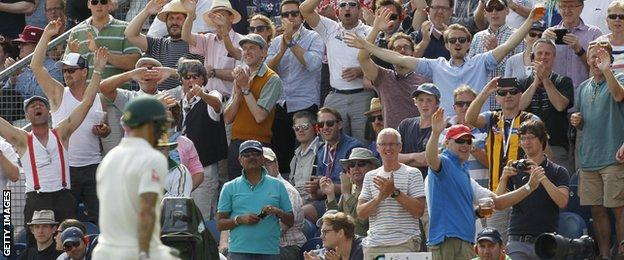 England fans mock Mitchell Johnson after he is dismissed