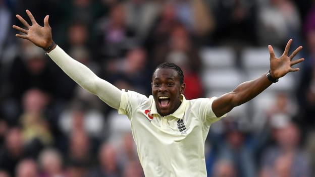 Ashes 2019: Jofra Archer takes 6-45 as England bowl Australia out for 179 thumbnail