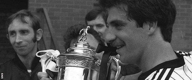 Tony Fitzpatrick with the Scottish Cup