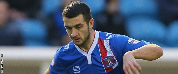 Gary Dicker in action for Carlisle United
