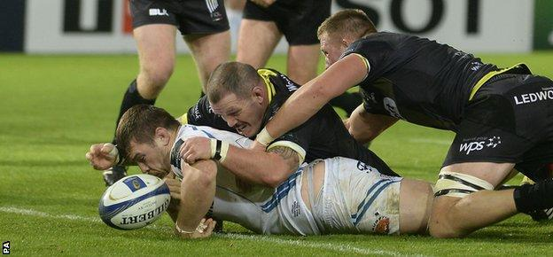 Exeter hooker Luke Cowan-Dickie knocked on with the line at his mercy