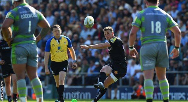 Joe Simmonds kicks a penalty for Exeter