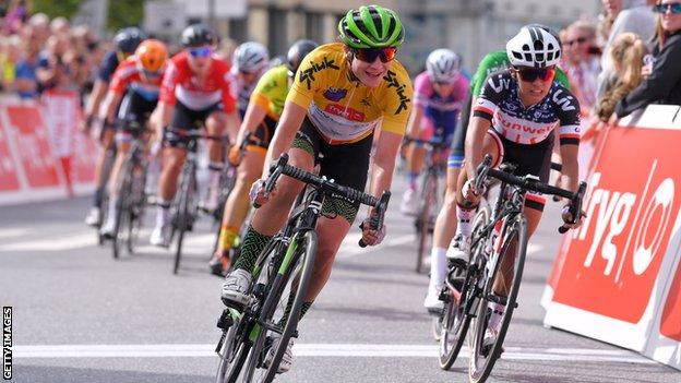 Marianne Vos wins the final stage of the 2018 Ladies Tour of Norway