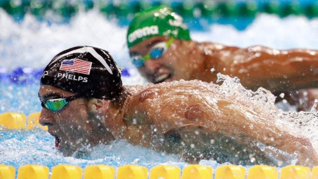 Michael Phelps leads Chad le Clos in the Men's 200m Butterfly Final