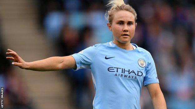 Izzy Christiansen in action for Manchester City Women